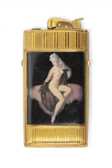 Zigarettenetui und -anzünder mit Darstellung einer Frau
