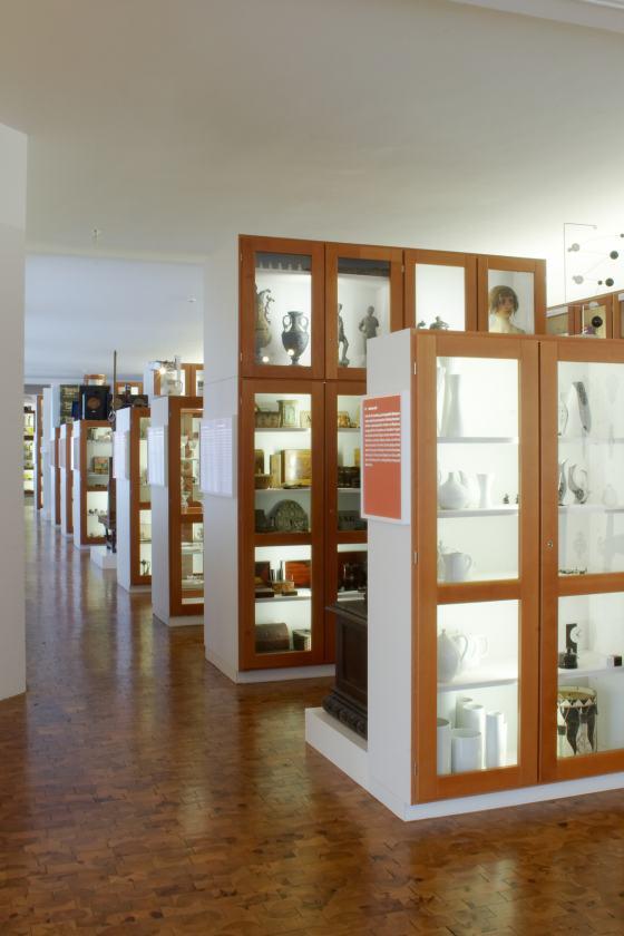 Blick in die Dauerausstellung des Werkbundarchiv - Museum der Dinge